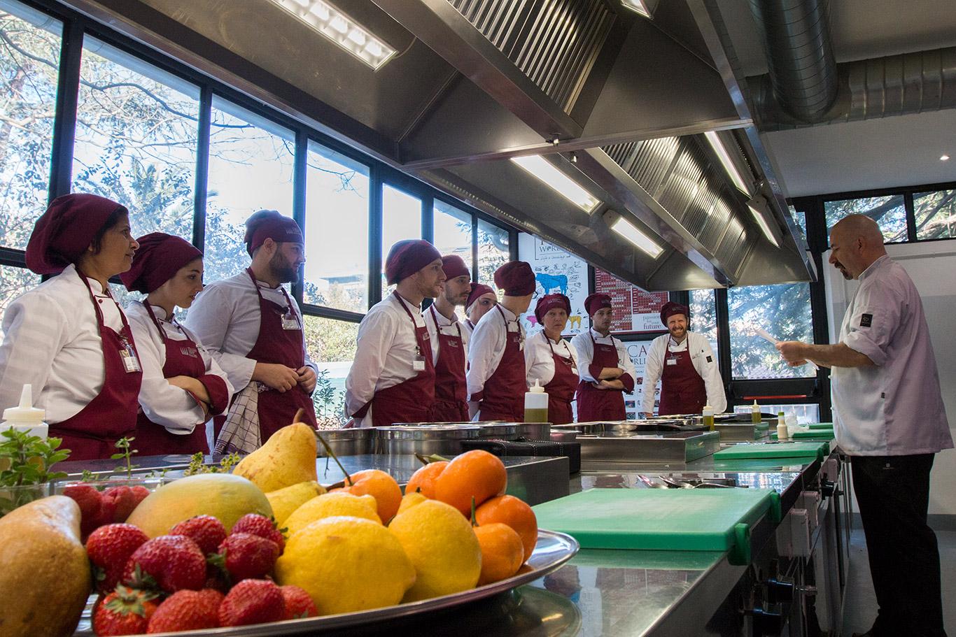 Accademia italiana di cucina corsi professionali di formazione in scuola di alta cucina roma - Scuola di cucina roma ...